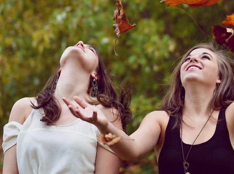 5 Zodiac Signs That Make BEST Friends