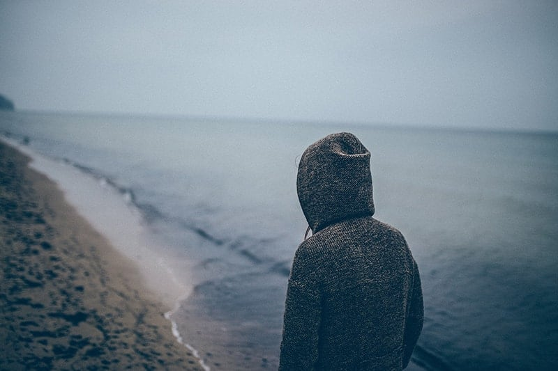 This Is How Silent Overthinkers Kill Their Relationships (And How To Stop It)