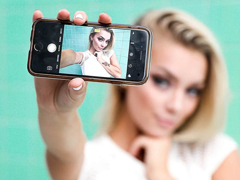 What Does Your Selfie Say About Your Personality?