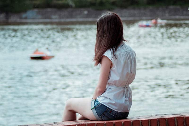 6 Signs That You Are An Emotionally Neglected Woman