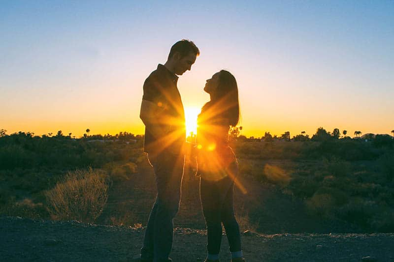 Flirtationship: 25 Signs You're Stuck In One & Its Benefits