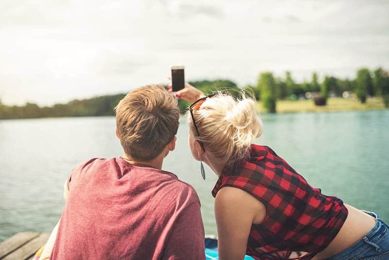 15  Signs You're In A Queerplatonic Relationship