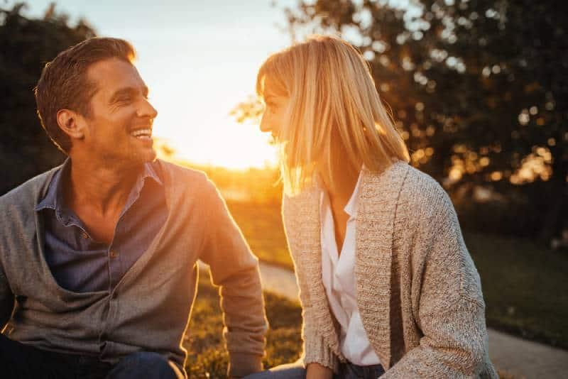 couple enjoying autumn afternoon