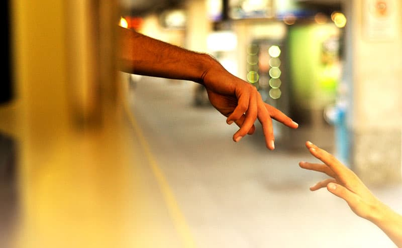 hands at the moment of separation