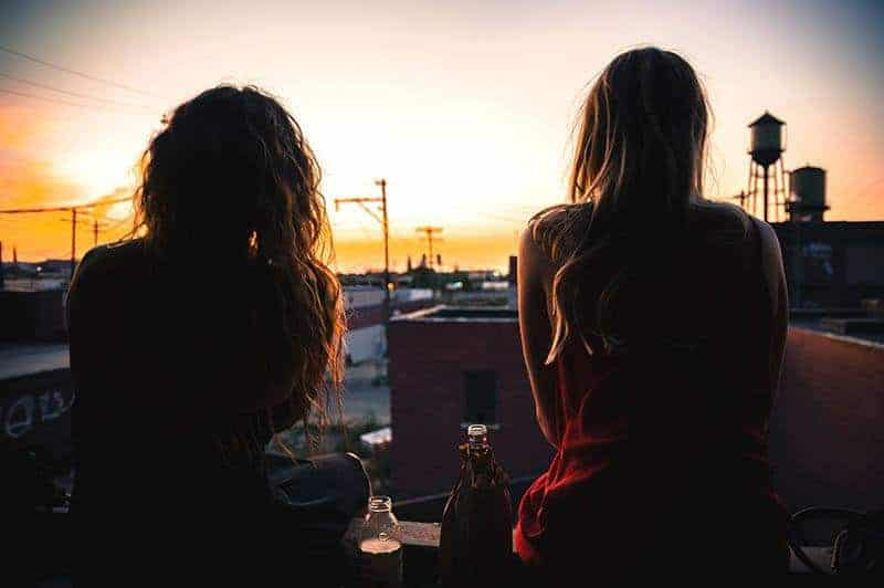9 Signs You Have A Shitty Friend
