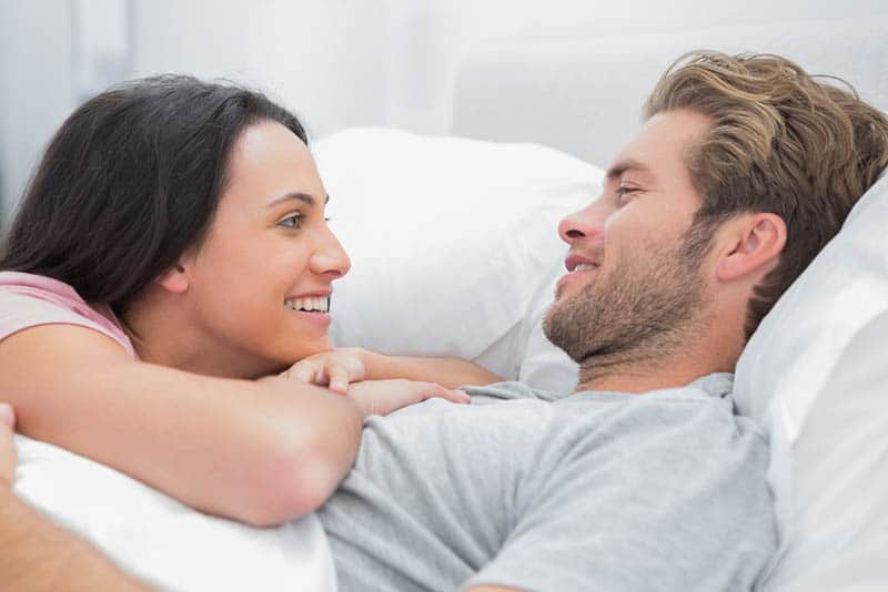 5 Bedtime Stories For Your Girlfriend: Wish Her Sweet Dreams