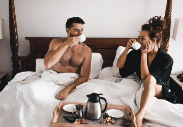 12 Interesting Topics & Things To Talk About With Your Girlfriend