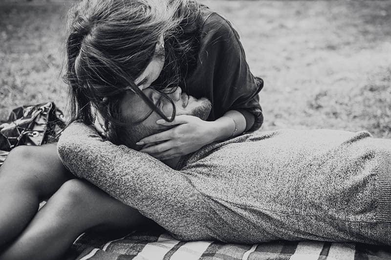 The 9 Relationship Stages That All Couples Go Through
