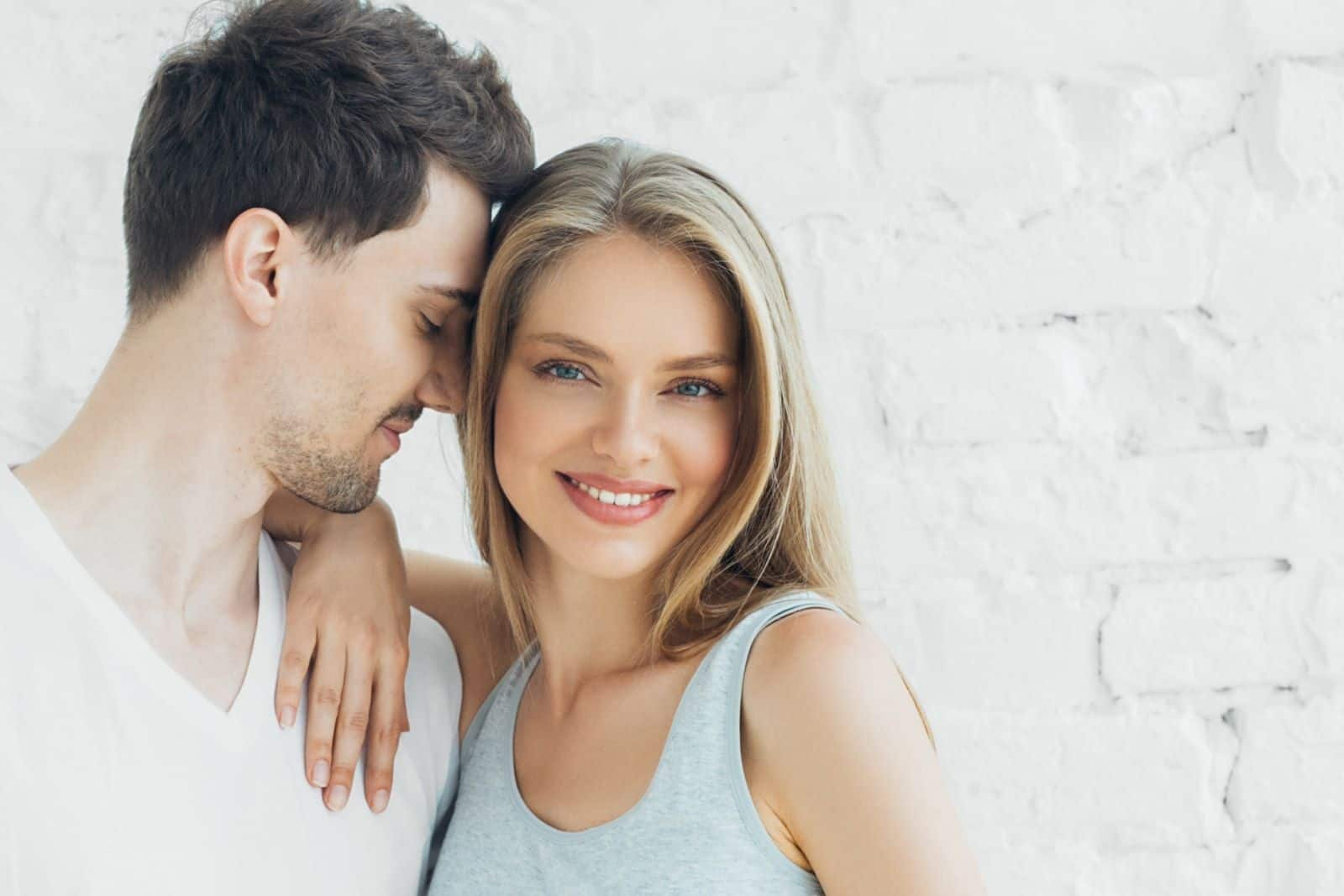 10 Surefire Signs He's Falling For You