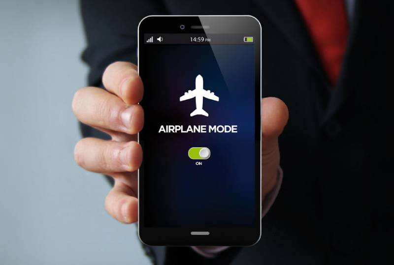 smartphone in airplane mode