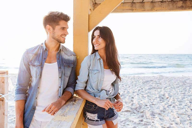How To Get A Girl's Number: 6 Tips That Work Like A Charm