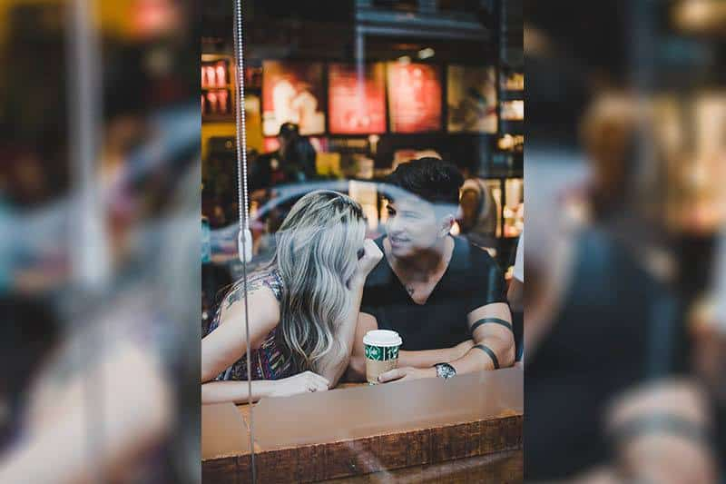 How To Start A Conversation With A Guy? 10 Foolproof Tips