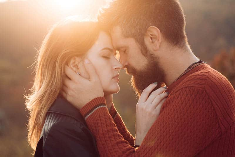 Dating what makes a man fall in love