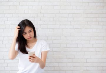 5 Questions To Ask Yourself Before Sending A Text To An Ex