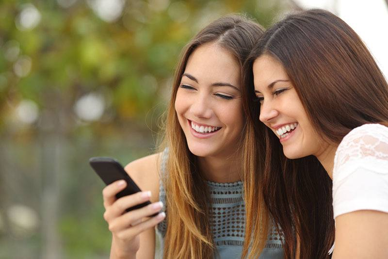 If You And Your Bestie Are SUPER CLOSE You Will Send These 12 Texts