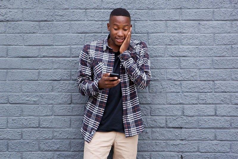 10 powodów, dla których poprosił o Twój numer, ale nie zadzwonił do Ciebie