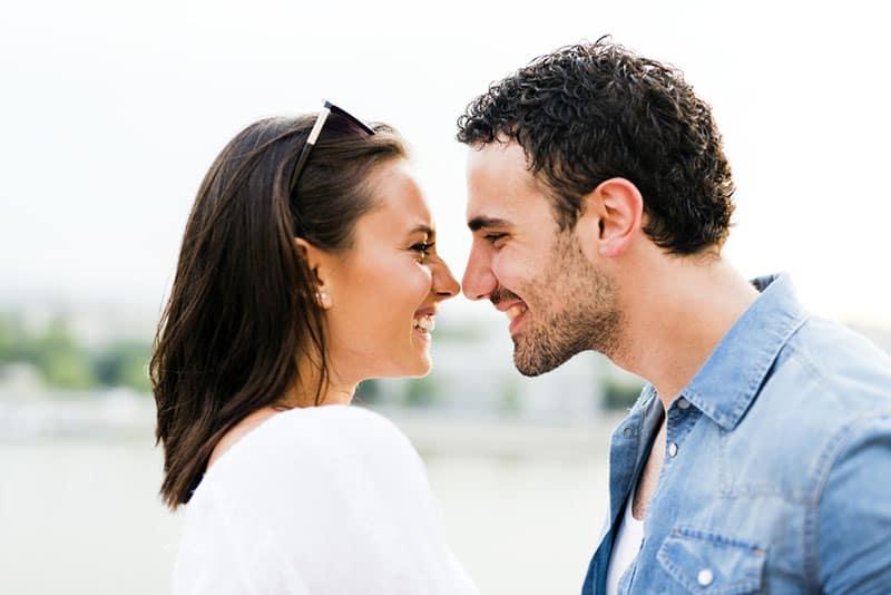 couple eskimo kiss