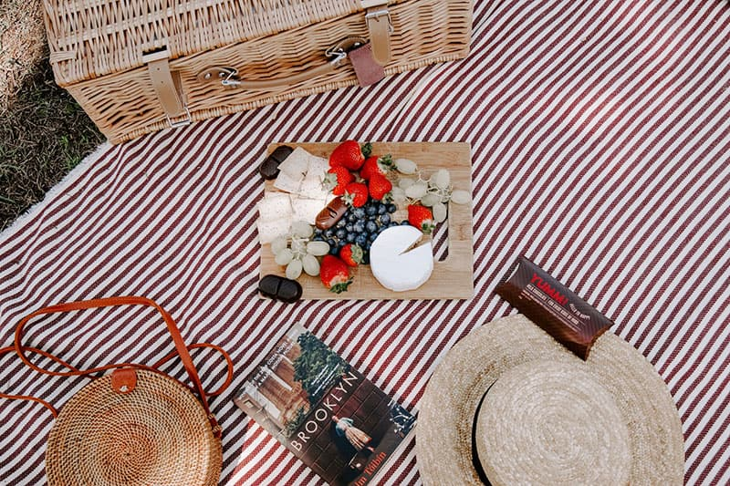 picture of sweet picnic food table