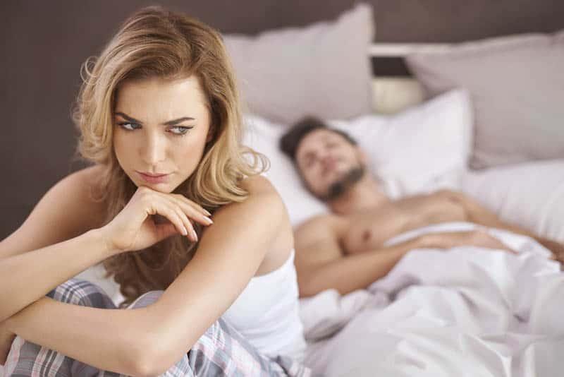 7 Subtle Signs Your Relationship Lacks Emotional Support