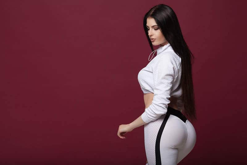 15 Problems Girls With Big Booties Have To Deal With