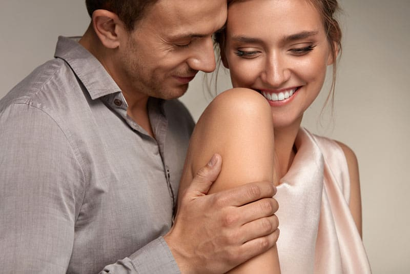 When A Guy Touches Your Waist: All Meanings Explained (And