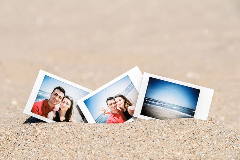 pictures of happy couple on sand