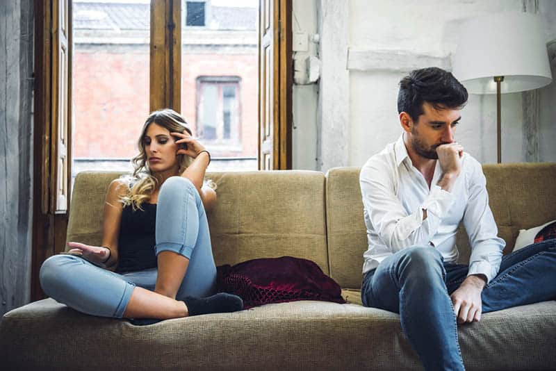 Watch Out For These Relationship Red Flags