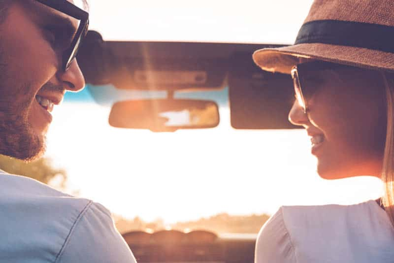 10 Sides You Experience When You Are Head Over Heels With Him
