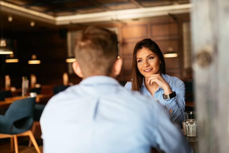 couple meeting in restaurant