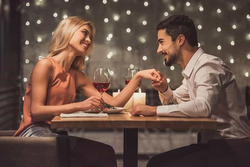 Until These 8 Things Happen, Don't Call Him Your Boyfriend