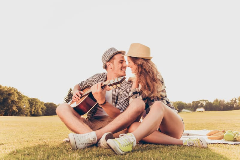 couple in love at a picnic