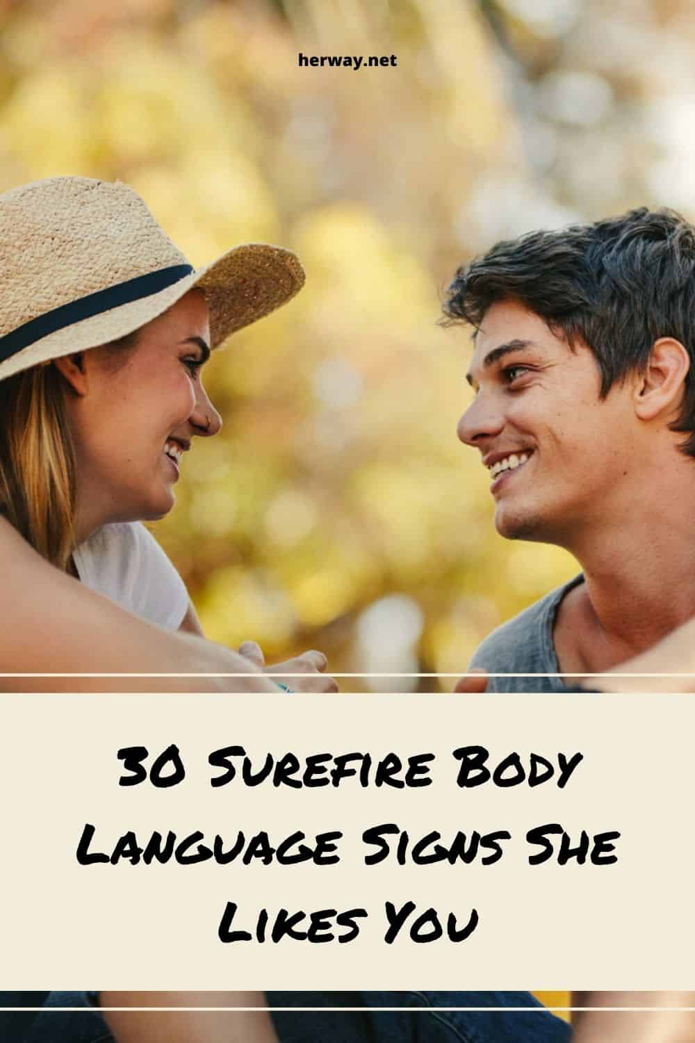 30 Surefire Body Language Signs She Likes You