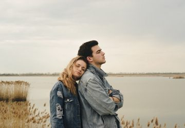 5 Unfortunate Signs His Love For You Is Conditional