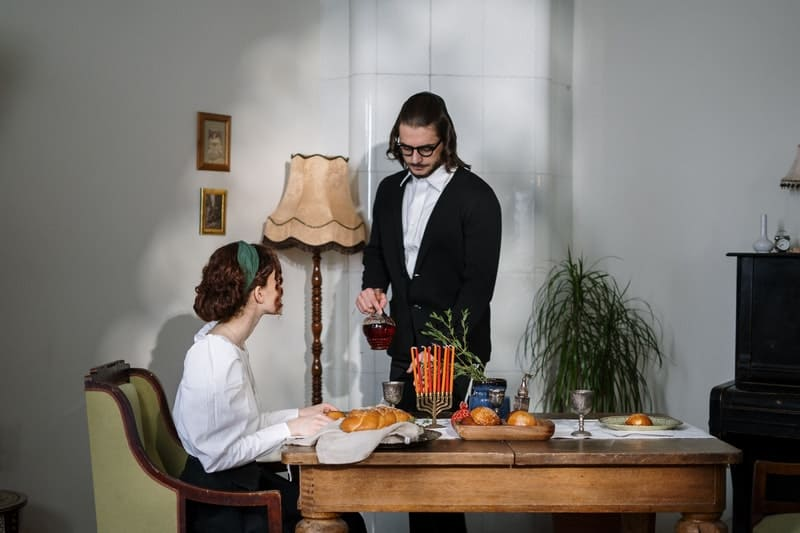 jewish couple dating on a traditional jewish dinner