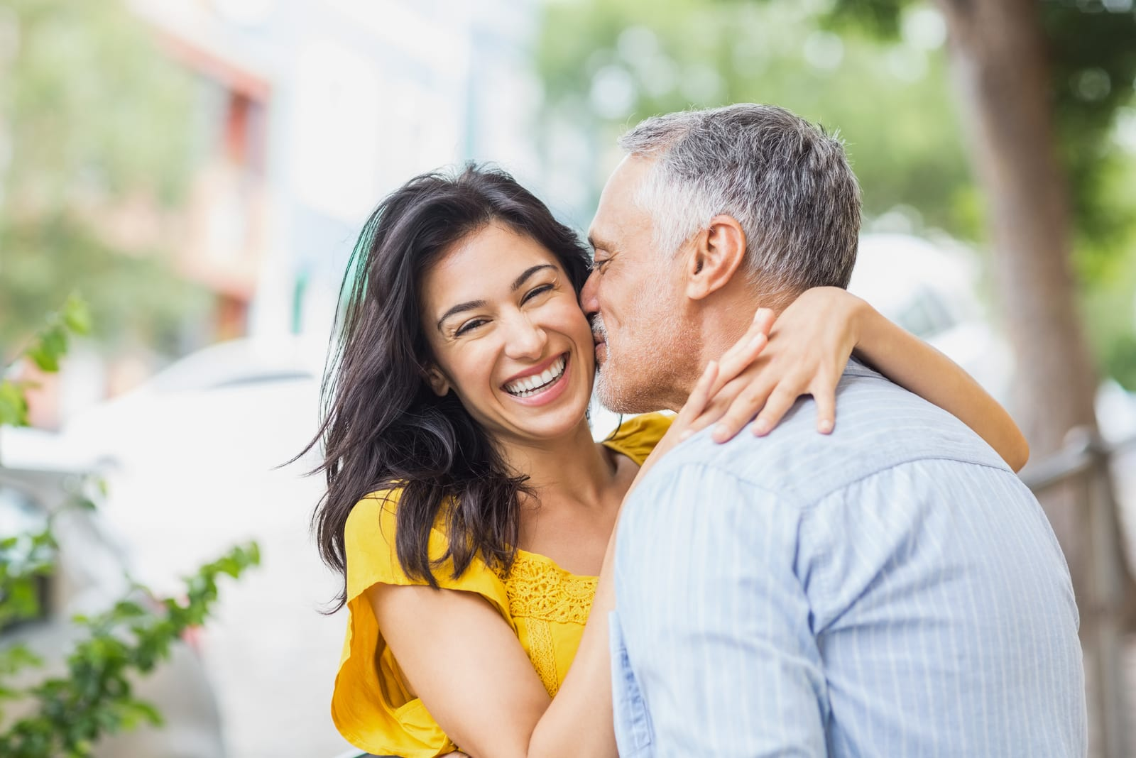 7 Benefits Of Dating A Mature Man