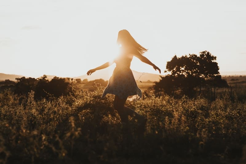 How To Radiate Feminine Energy And Tap Into Your Feminine Power