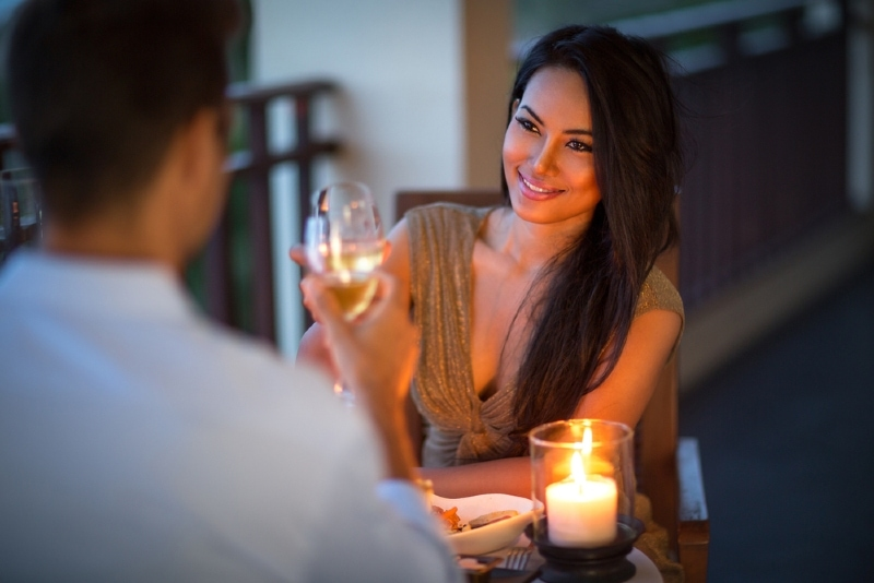 10 Dangers Of Dating A Married Woman & Everything You Should Know
