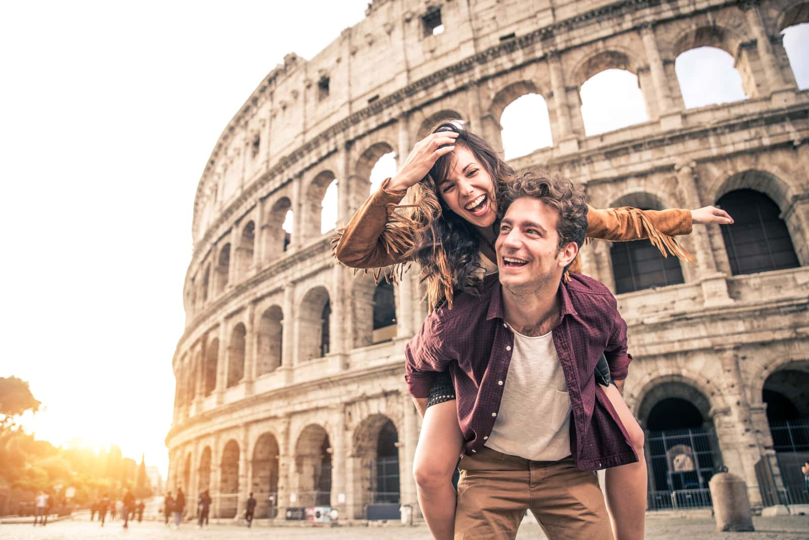 couple at the colosseum