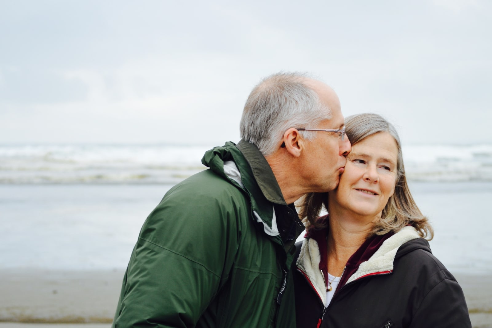 18 Amazing Perks Of Growing Old Together (That No One Tells You)