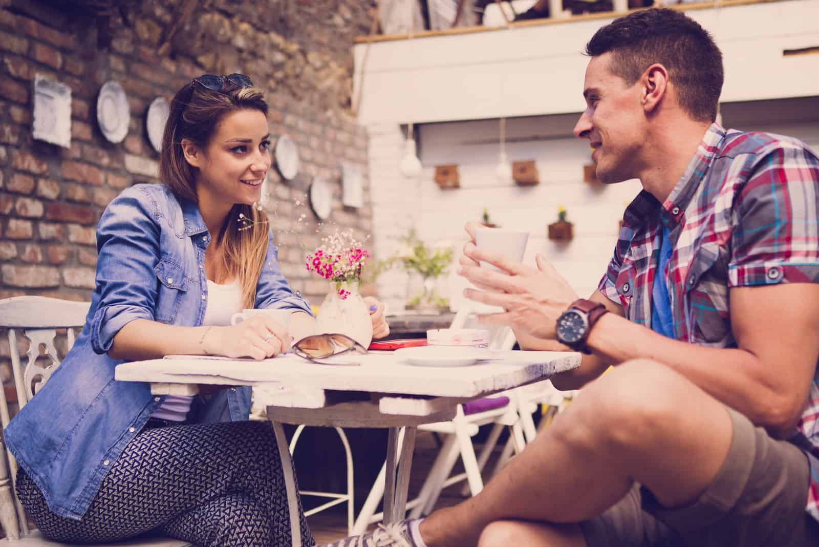 How To Keep A Conversation Going With A Girl In 17 Brilliant Ways