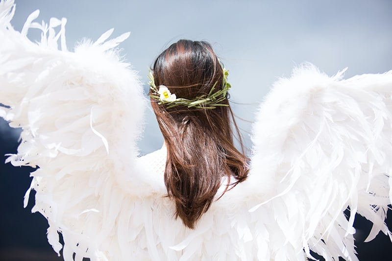 Why You Keep Seeing The 1010 Angel Number And Its 8 Hidden Meanings